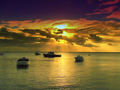Sunset: Eye of heaven (Asadbabil (super busy)) Tags: ocean sunset sea sky sun beach nature colors clouds canon boats canons2is poseidonsdance