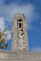 Guildhall & Brangwyn Hall, Swansea (acanthus42) Tags: sculpture tower clock swansea wales architecture civic artdeco viking types townhouses guildhall portlandstone wls abertawe neuaddyddinas vikinglongship percythomas brangwynhall citycountyofswansea 193034 guildhallbrangwynhall