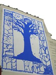 L'arbre des rues - Une peinture murale de Pierre Alechinsky (Weingarten) Tags: paris france frankreich badge francia parigi