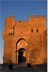 Toledo - Puerta del Sol (R.Duran) Tags: espaa spain puerta nikon gate espanha europa europe toledo d200 espagne puertadelsol castillalamancha 18200mmf3556gvr ltytr1