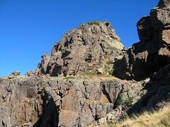 Dans le 1er V versant Campu Razzinu Ouest : le col entre les deux V