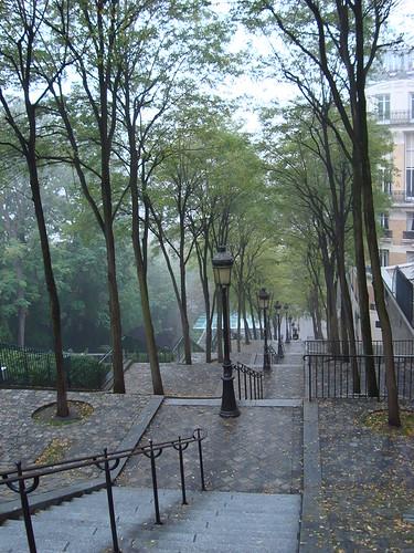 Butte Montmartre dans le brume-44