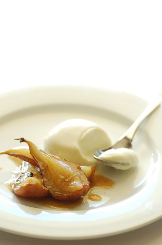 pot roasted pears with marscapone panna cotta