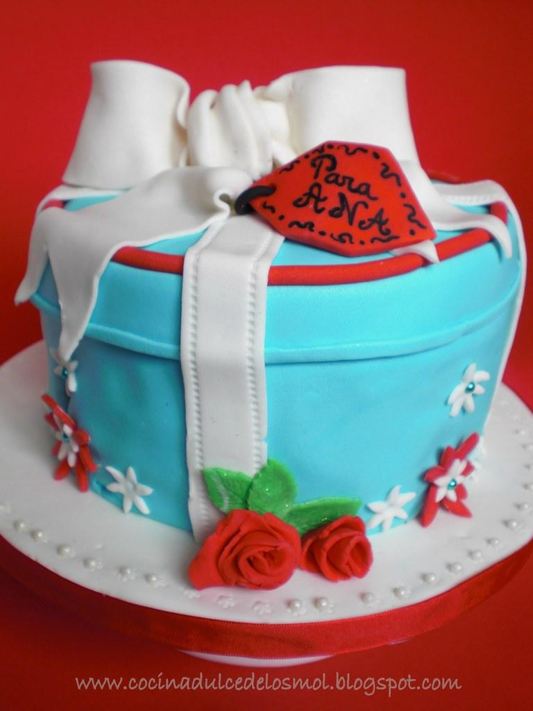 1GIFT BOX CAKE