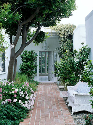 http://www.bhg.com/decorating/