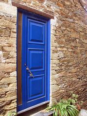 Pido (Graa Vargas) Tags: door portugal village aldeia pido graavargas duetos 2008graavargasallrightsreserved 10300280209