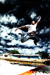 A Friend Is Like An Eagle, You Don't Find Them Flying In Flocks. (JourneyToNoWhere) Tags: portrait selfportrait me self jumping quote weekend injury april melaka malacca nottakenbyme 2007 flickrmeetup lessonlearned klickr klflickrmeetup klickrmeetup april2007 dsc2464 2007042813thklflickrmeetup kneeinjured pleasedonottrythisathome injuredafterthejump leftlegkneetwisted ligamentorn mistakesinjumpingstyle takenbykenmin friendsquotes thankyoukenmin