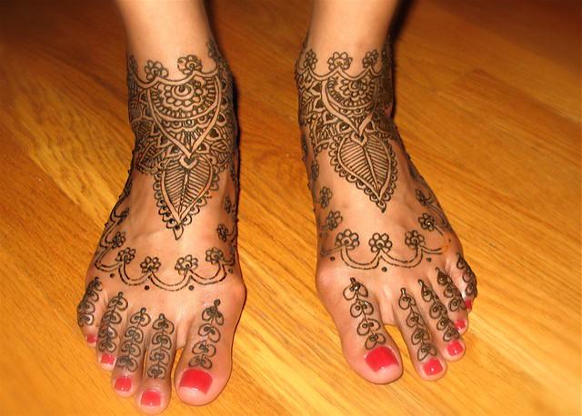 رسومات حنة جديدة لعروسة سيدات مصر - نقوش حناء 2012 - رسم حنة 2012 1138709682_3255af960