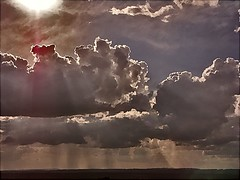 Clouds, Sunbeams and Rain (algo) Tags: light england rain clouds photography topv333 showers algo topv50 sunbeams aylesburyvale abigfave artlibre superaplus aplusphoto 200750plusfaves