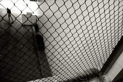 CHAIN LINK_3348.JPG (Cyclops Optic) Tags: bw streetphotography documentary 5d omaha 24mm csomaha wnwacrossthestreet