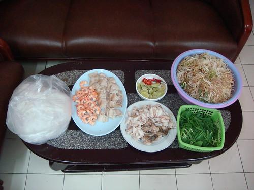 Đồ ăn do chị Tần làm