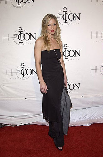 Christina Applegate_041402_mtvICON gala honoring Aerosmith, at Sony Studios, LA CA_04302002christina by friscocid