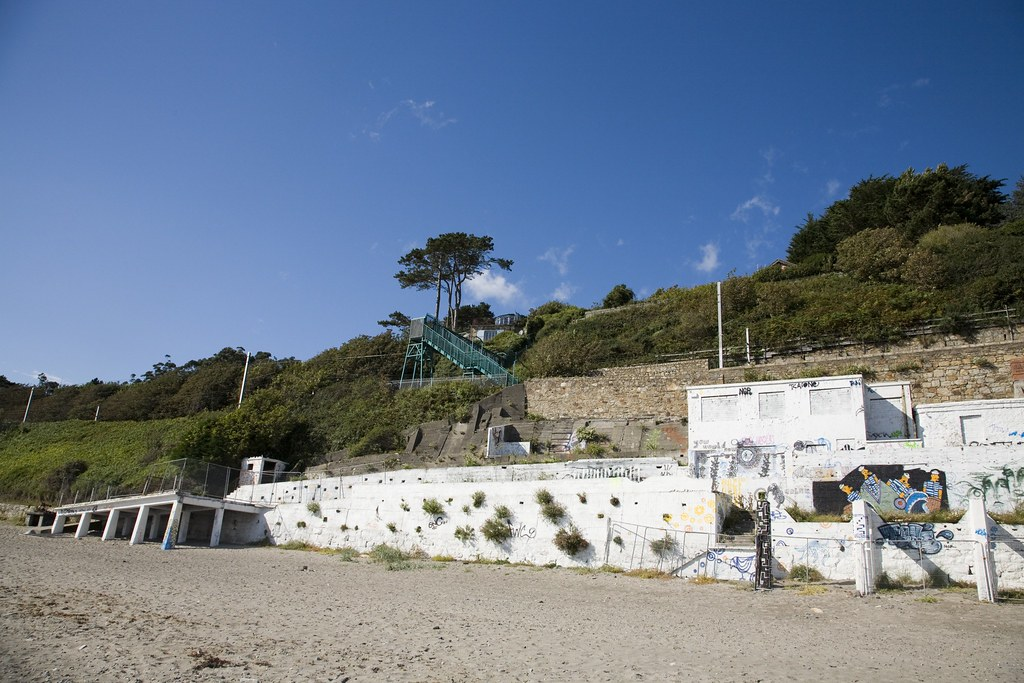 Photograph of Killiney Beach (The Tea Rooms)