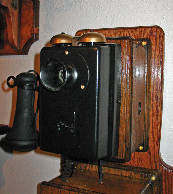 antique phone project top