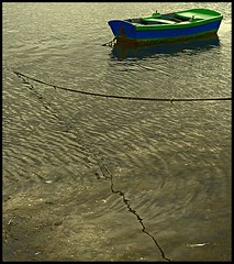 ...pero una vez fue joven (pedromf) Tags: spain barca galicia zuiko pontevedra zd olympuse500 uro 1445mm 50club ailladearousa