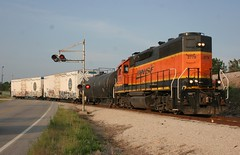 Crossing Protection (wras23) Tags: santa burlington missouri springfield fe northern 2776 gp392