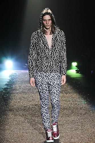 SS11_Tokyo_@IZREEL021_Tomek Szczukiecki(Fashionsnap)