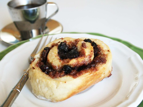 alisaburke: homemade easy cinnamon rolls