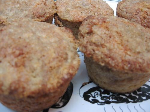 allspice crumble muffins