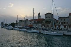 Al calar della sera (lorca56) Tags: tower boats mare torre harbour barche porto sail split fortification vela croazia viaggio trogir crepuscolo fortificazione