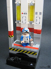Kevin Chen as R2-D2 (Vignette with figure) (Morgan190) Tags: subway starwars lego cosplay r2d2 convention minifig custom vignette m19 minifigure artoo eurobricks morgan19