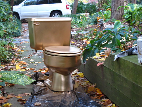 Golden Commode