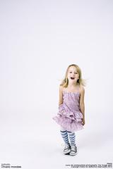 kids_photo_25 (mario_morales) Tags: girl fashion kids children happy nice funny moda niños blonde rubia felicidad niñas diversión divertido mariomorales cunadesombras theimagespirit