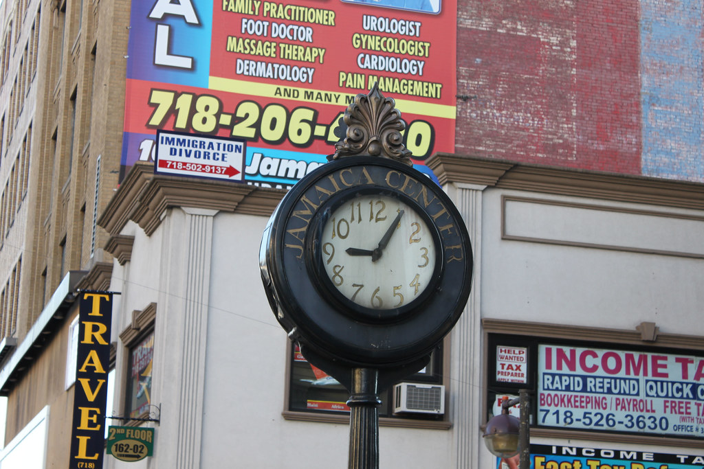 Sidewalk Clock, 161-11 Jamaica Avenue
