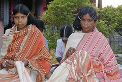 Dongaria Kond Tribal Ladies from Orissa (ramesh_lalwani) Tags: girls india women artist tribal nosering orissa indigenous tribals adivasi dongriakondh noseringthefeminine