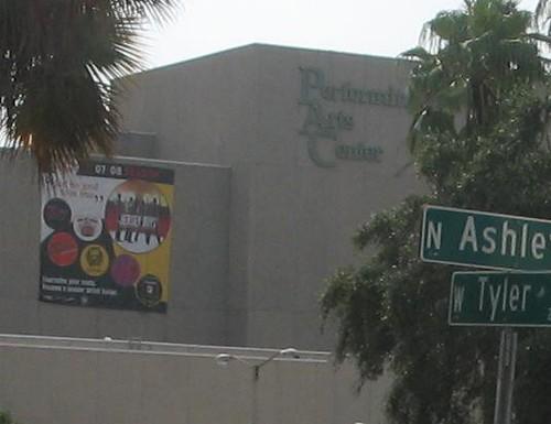 TampaBigGiantMural3TampaBayPerformingArtsCenter