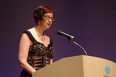 Ellen Kushner gives Best Semiprozine