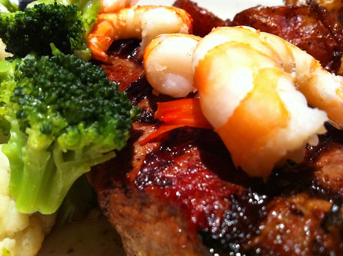 boiled shrimp,oyster sauce,fresh broccoli,yummy shrimp meal