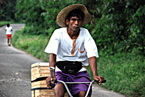 street peddler bicycle Buhay Pinoy Philippines Filipino Pilipino  people pictures photos life Philippinen  菲律宾  菲律賓  필리핀(공화국)  vendor