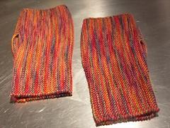 Fingerless garter mitts