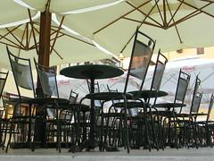 sedie/serie (zizietta) Tags: alba zadar croazia serie tavoli frontedelporto incercadicolazione