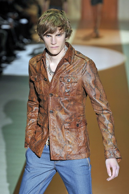 Anthon Wellsjo3041_SS11_Milan_Gucci(first VIEW)