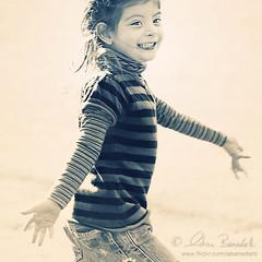 joy (Ąиđч) Tags: portrait andy girl smile sunshine happy nikon emotion andrea joy happiness andrew sorriso felice ritratto gioia bambina felicità benedetti d90 figlia daught emozione ąиđч