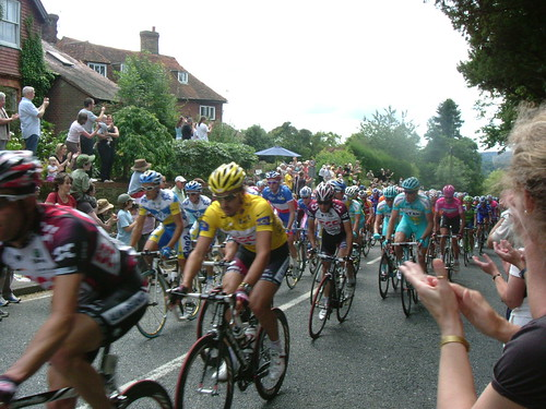 Cancellara, Sastre and Moreau climb through Goudhurst