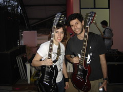 we love 'gilson' guitars! (maukiller) Tags: sp paulo sao espaonave espaconave