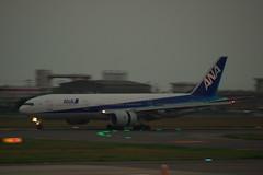 松山空港に着陸するJA707A