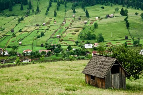 [フリー画像] 建築・建造物, 都市・街, 丘, ルーマニア, 201006252300