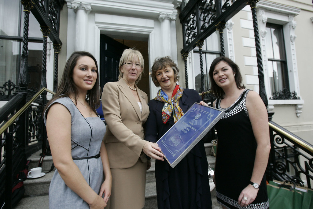 Minister Mary Hanafin and AA Roadwatch Presenters, Arwen Foley & Nicola Hudson present Hazel Allen of Ballymaloe Country House with AA Ireland Guest Accommodation of the Year 2010/2011