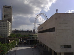 31052007028 (leedsrog) Tags: london londoneye royalfestivalhall gormleystatue