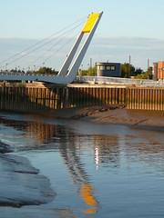 The Pedestrian Bridge over the River Hull - by the noggin_nogged