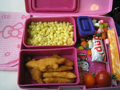 laptop_lunchbox 2007.09.19 (amanky) Tags: food usa cheese oregon work hospital tomato lunch interestingness corn candy chocolate hellokitty providence explore traderjoes bento cafeteria tomatos dip nuggets jellybeans jellybelly hoodriver talklikeapirateday 2007 duplo freshproduce cherrytomato chickennuggets cheesestick fruitsnack localproduce cherrytomatos providencehoodrivermemorialhospital whitecorn september2007 internationaltalklikeapirateday september19 organicproduce colbyjack interestingness175 jellybellyjellybeans dinonuggets i500 laptoplunchbox laptoplunches obentec colbyjackcheese bbqranch laptoplunchbentobox laptoplunchbentoboxpink laptoplunchboxpink phrmh hellokittyfruitsnack bbqranchdip traderjoeswhitecorn dancingmoonfarms september192007 internationaltalklikeapirateday2007 talklikeapirateday2007 courtyardcaf colbyjackcheesestick explore19sep07 september192007175
