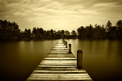...75 seconds to tranquility (Geoffrey Gilson) Tags: wood lake nature water canon eos grey gris eau long exposure natur lac 9 tranquility exposition filter 7d geoffrey 75 1740mm boarding seconds pontoon bois ponton tranquilit density gilson stops neutral longue 77mm nd400 secondes embarquement neutre abigfave anawesomeshot platinumheartaward canoneos7d nd500 geoffreygilson wwwgeoffreygilsonnet