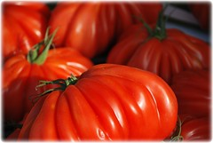 pomodori, tomatoes, tomates, tomaten... (Massimo Carradori) Tags: light red france nature lights tomatoes natura fantasia rosso mercato pomodori francia nizza pistoia ortaggi cuoredibue rubyphotographer pomodorocuoredibue massimocarradori carradorimassimo