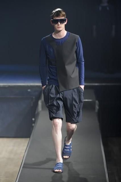 Vincent Hoogland3015_SS11_Paris_Romain Kremer(lizzylily@mh)