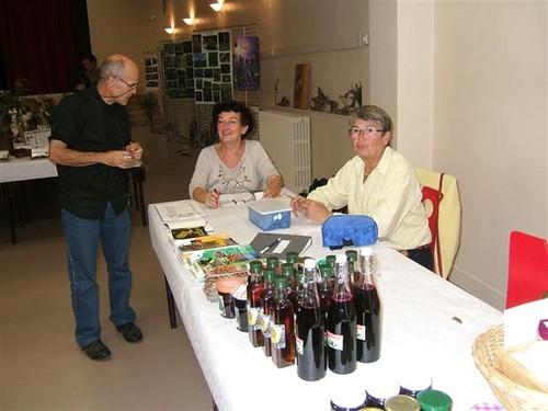 5 Michèle et Ghislaine à la caisse,entrées, sirops et confitures