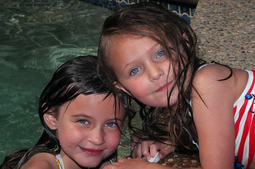Swimming Friends 4979